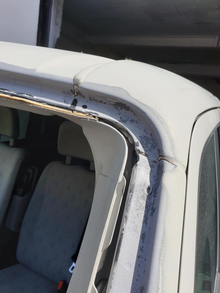 VW T4 Window Aperture